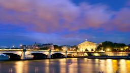 Paris hotels near Pont de la Concorde
