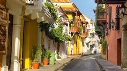 Find cheap flights from Quebec to Cartagena