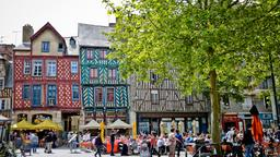 Find cheap flights from Calgary to Rennes