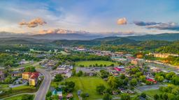 Pigeon Forge hotels near Hollywood Wax Museum