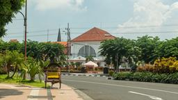 Find cheap flights to Surabaya