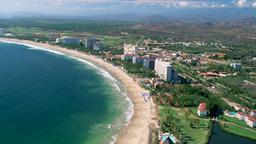Find cheap flights from Quebec to Ixtapa