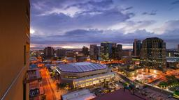 Hotels near Phoenix Suns vs. Milwaukee Bucks