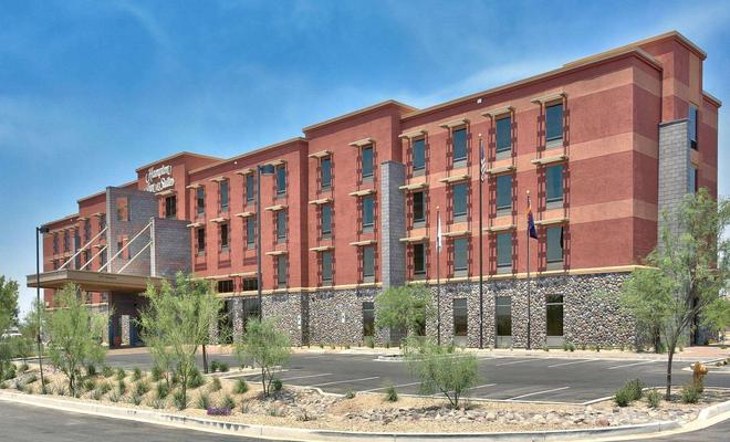 Hampton Inn and Suites Scottsdale/Riverwalk